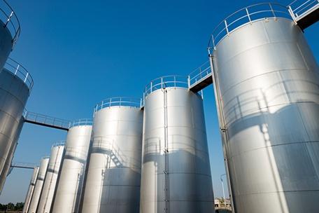 Tieftemperaturdichtungen in Sammeltanks für Halbleiter-Lösungsmittel
