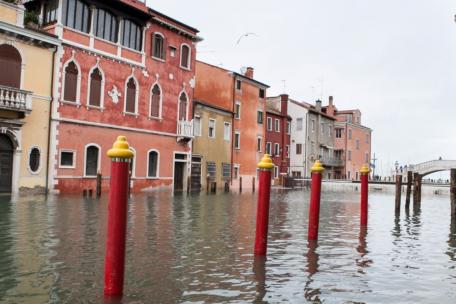 PSA spielt eine entscheidende Rolle beim Hochwasserschutz in Venedig